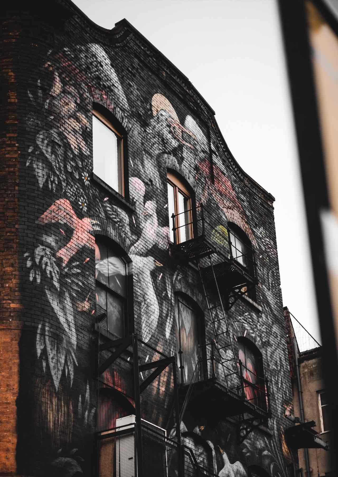 Northern Quarter, Manchester, credit to valentin-petkov-1650068-unsplash