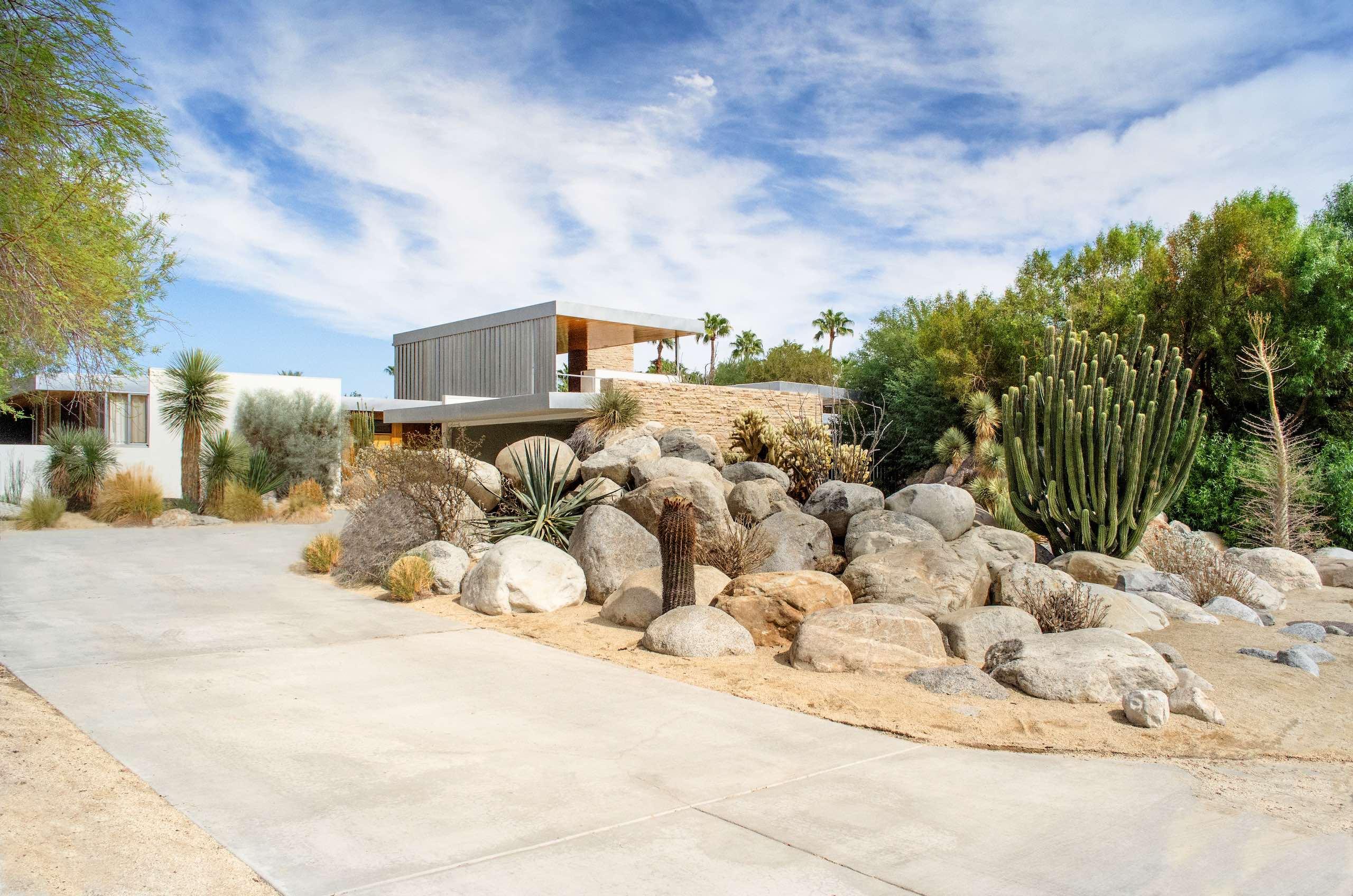Richard Neutra's Kaufmann Desert House | Photo: David Everett Strickler