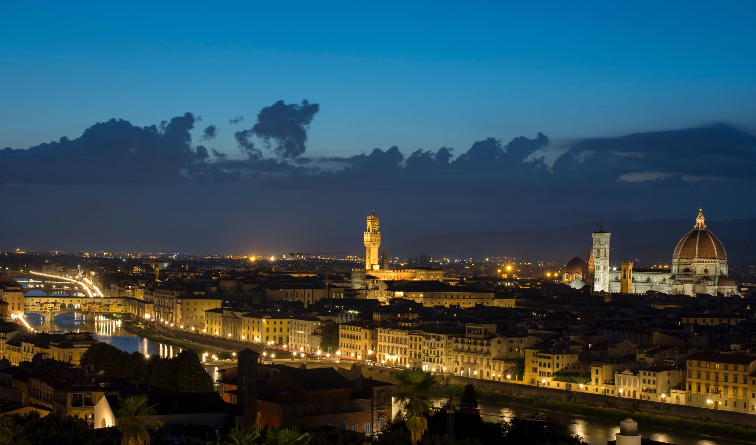 Piazza Michelangelo   Photo: Faruk Kaymak