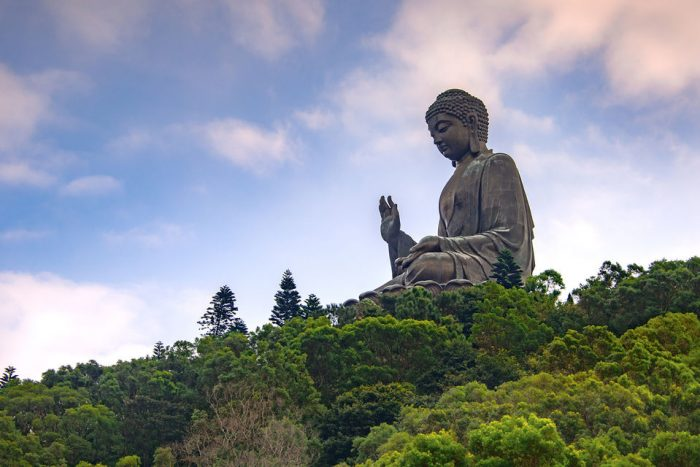 Lantau: Explorer Tour with Ngong Ping Cable Car and Lunch