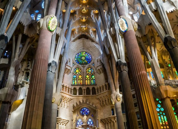 Sagrada Familia: Skip-the-Line Guided Tour with Towers