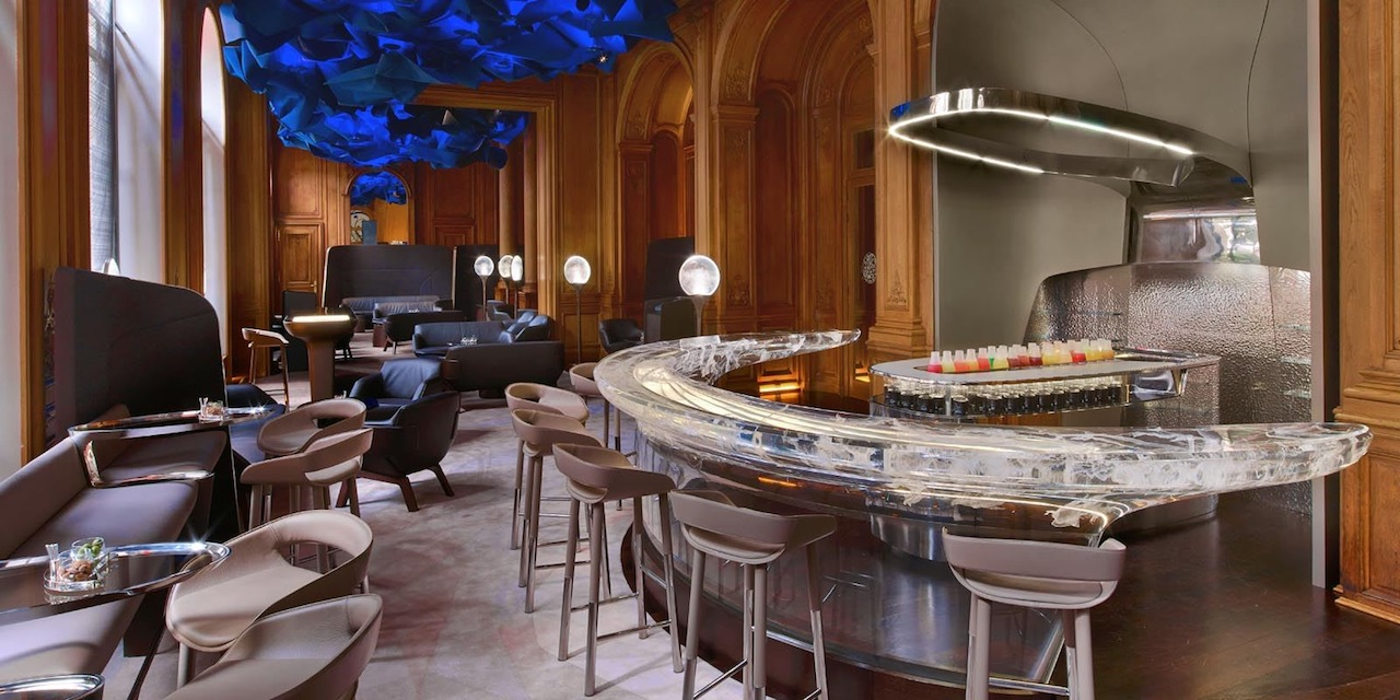Le Bar at Plaza Athenee Paris