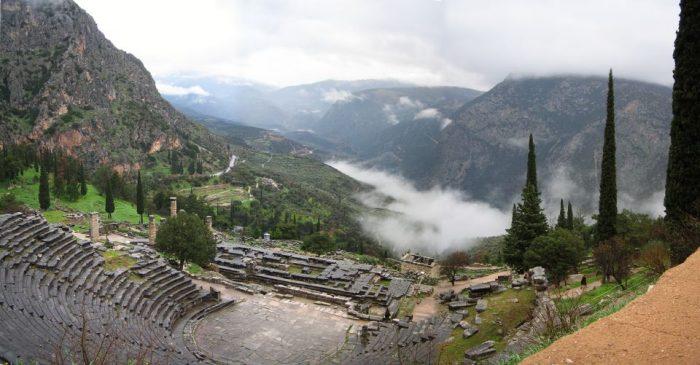 Delphi & Meteora 2-Day Tour