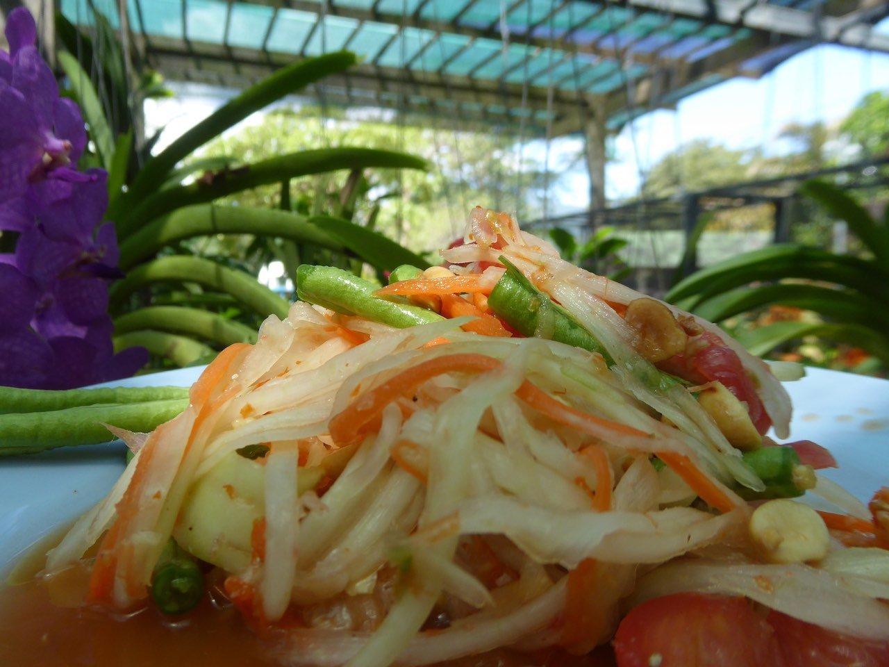 Street Food Thailand Som Tam Spicy papaya salad