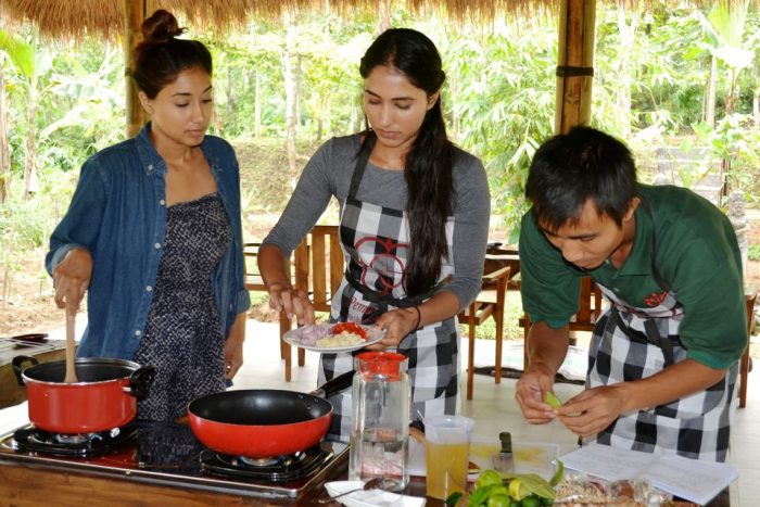 From Ubud: Balinese Cooking Class at an Organic Farm Bali