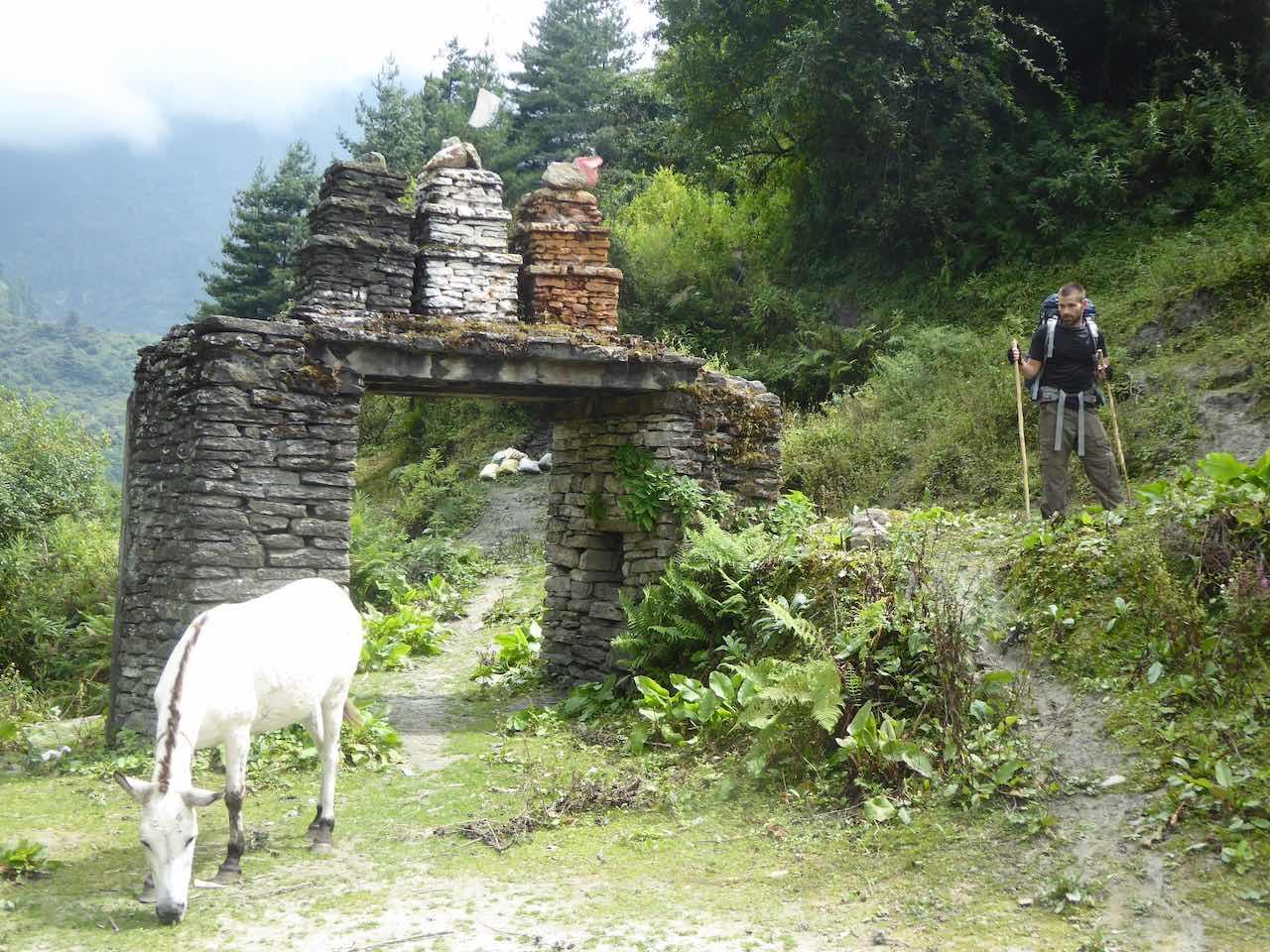 Bagarchhap Buddist Stupa Gate Annapurna Circuit Nepal