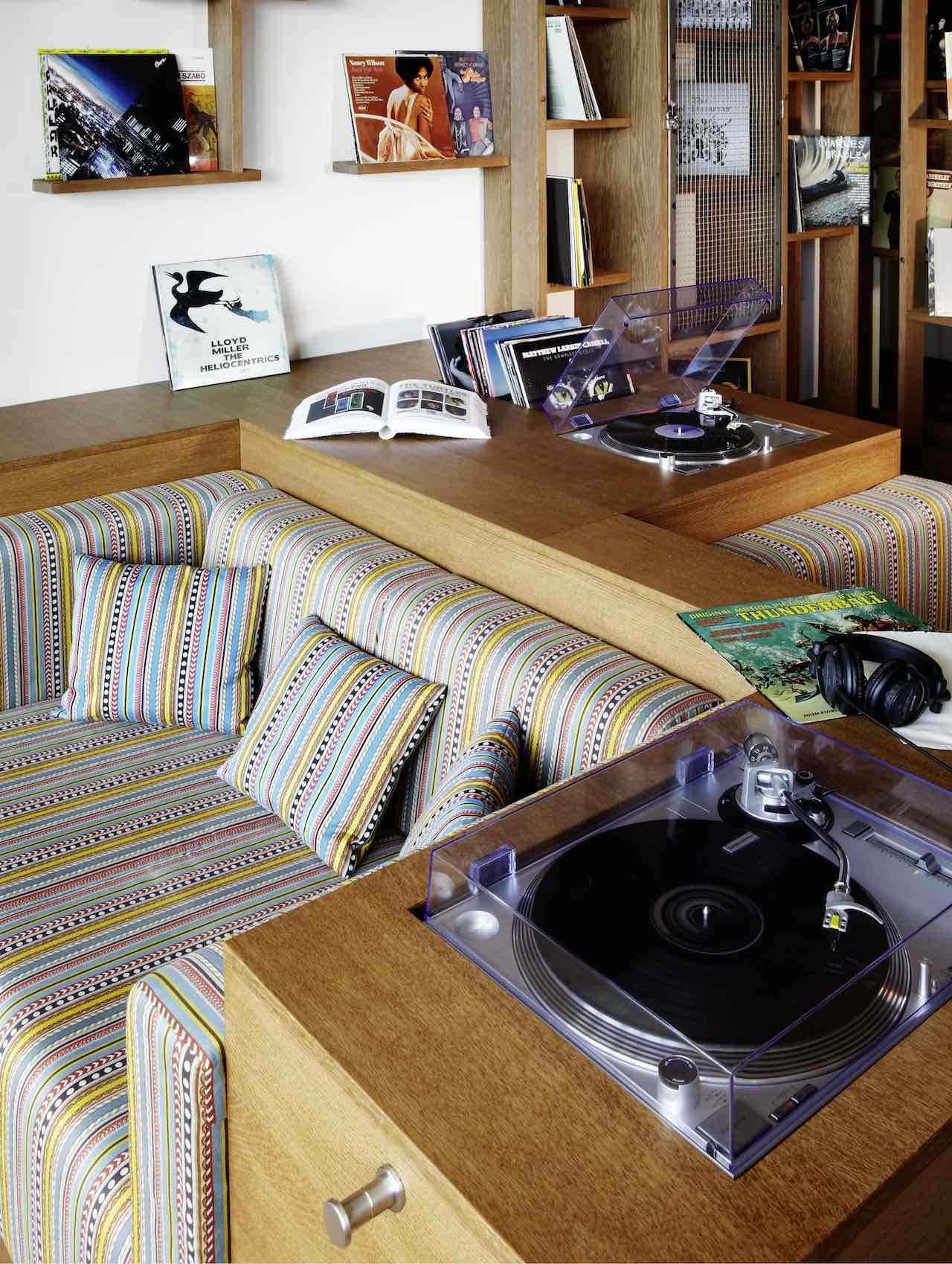 25hours Hotel Hafencity Hamburg Vinyl Room