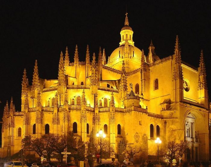 Full-Day Avila and Segovia Tour from Madrid