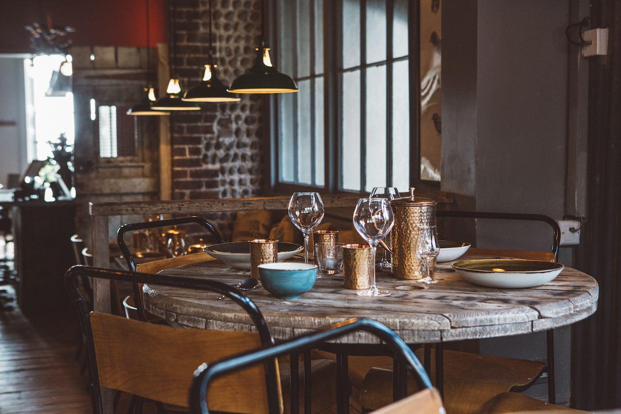 Artist Residence, The Set Restaurant & Café