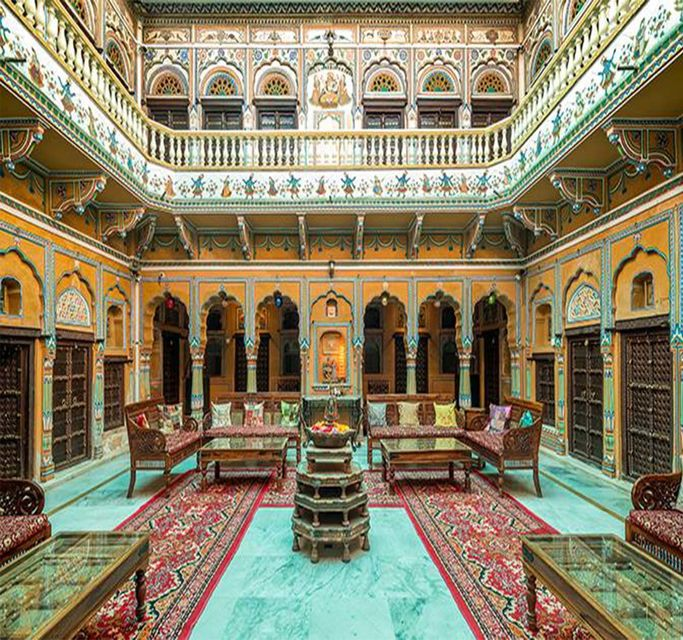 Private Day Trip: The Havelis of Mandawa