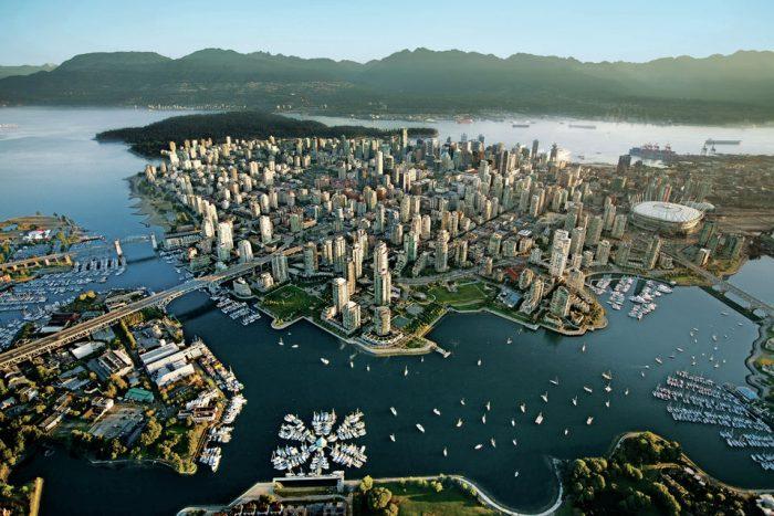 Vancouver Delights: 7 Hour City Tour