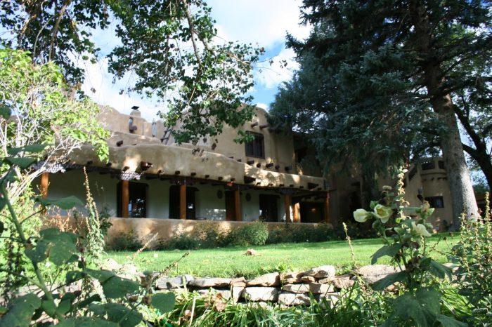 Inn on La Loma Plaza