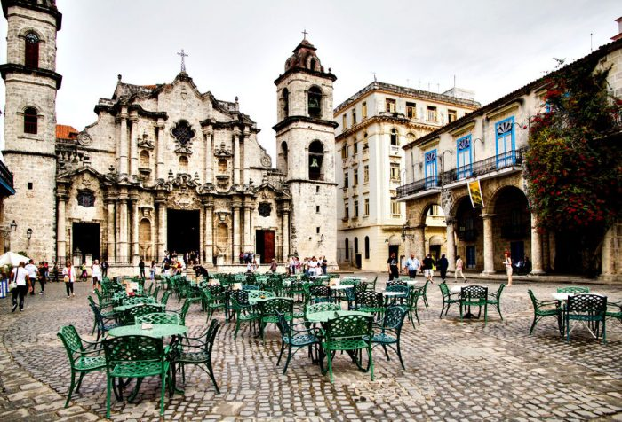 Welcome to Havana: Private Tour with a Local