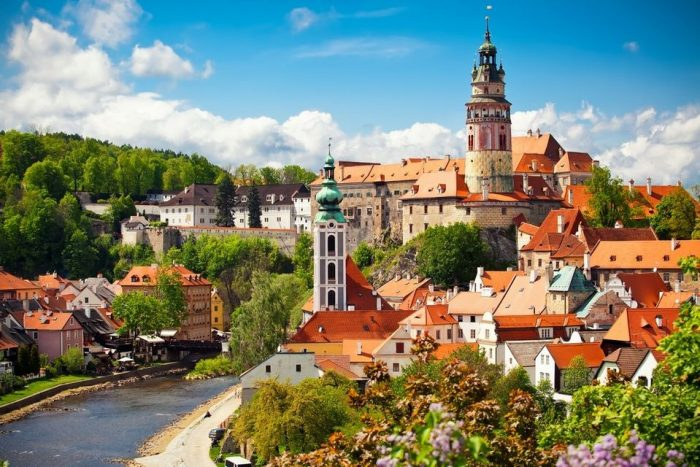 Český Krumlov Full-Day Trip from Prague with Lunch in Tavern