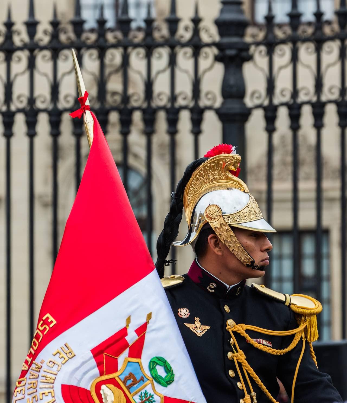 Escolta presidencial Plaza de Armas Lima