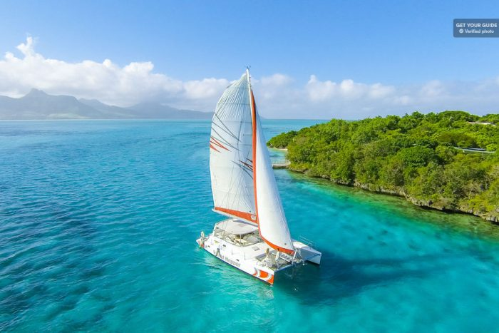 Private Catamaran Charter to Ile aux Cerfs