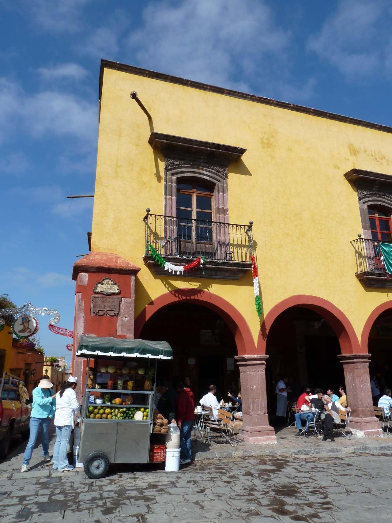 facade of a house in San Miguel de Allende