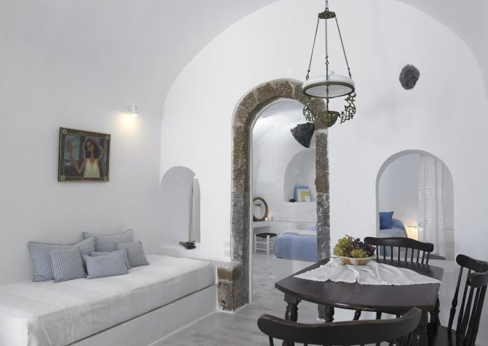 Altana Traditional Houses and Suites