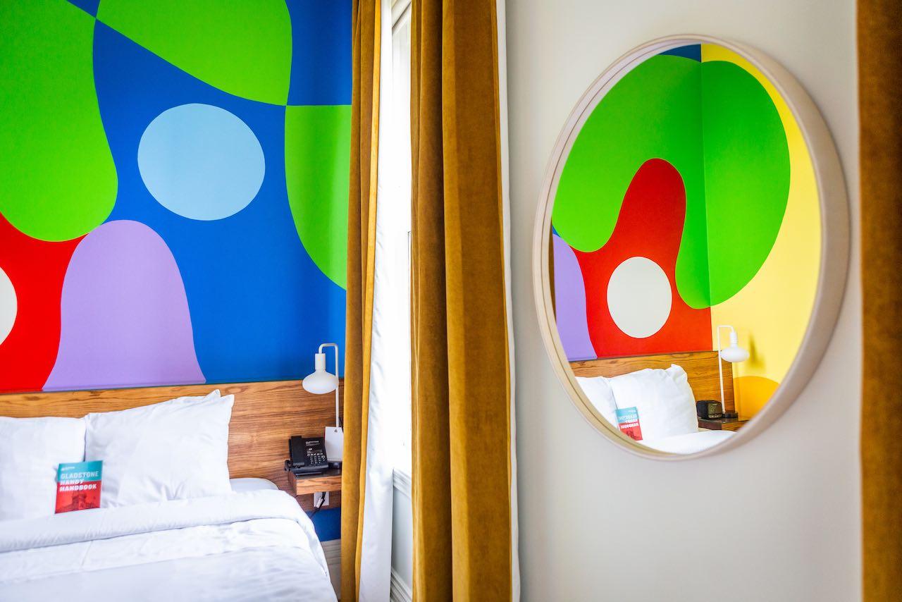 Gladstone Hotel_The Aura Room