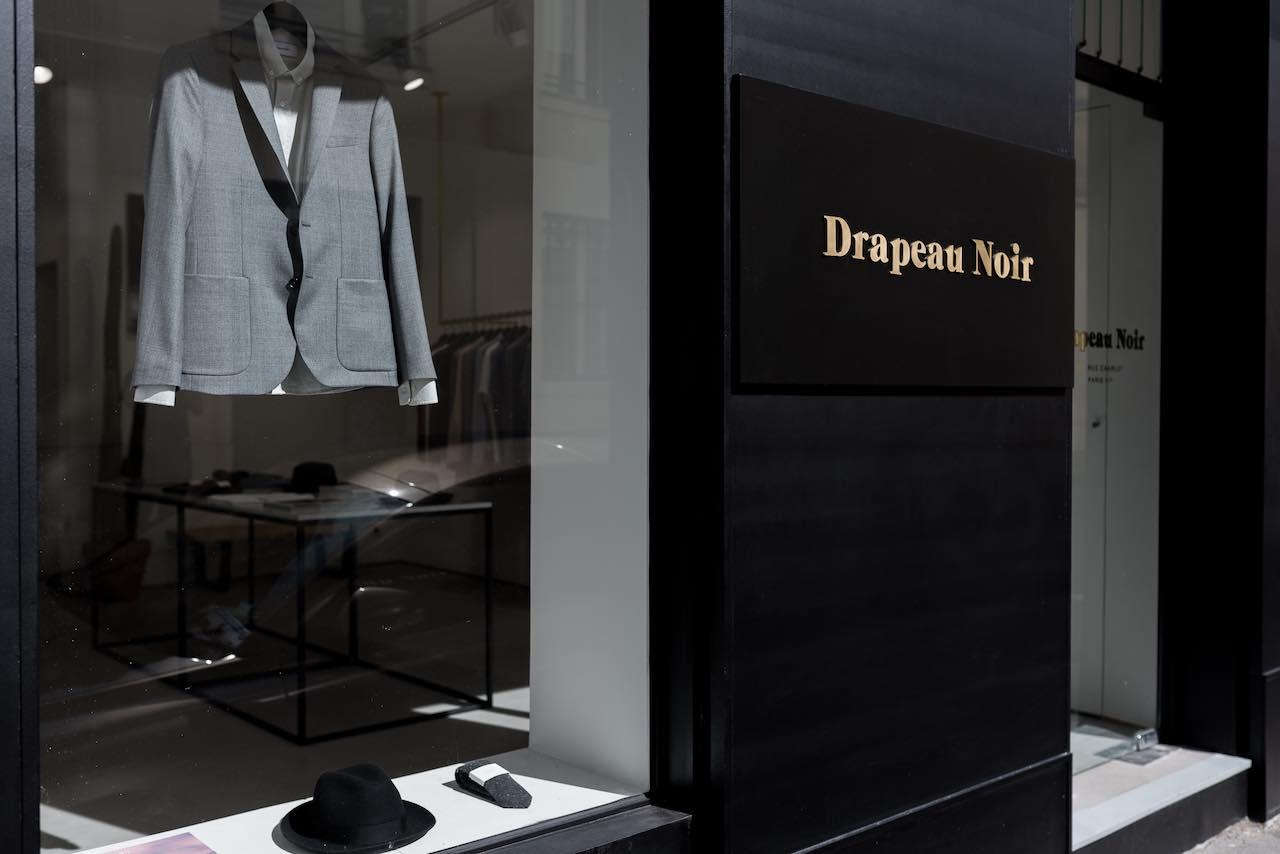 Drapeau Noir Paris